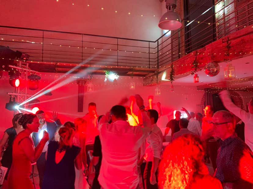 dj mariage mornand en forez roanne la cour du domaine clubbing events