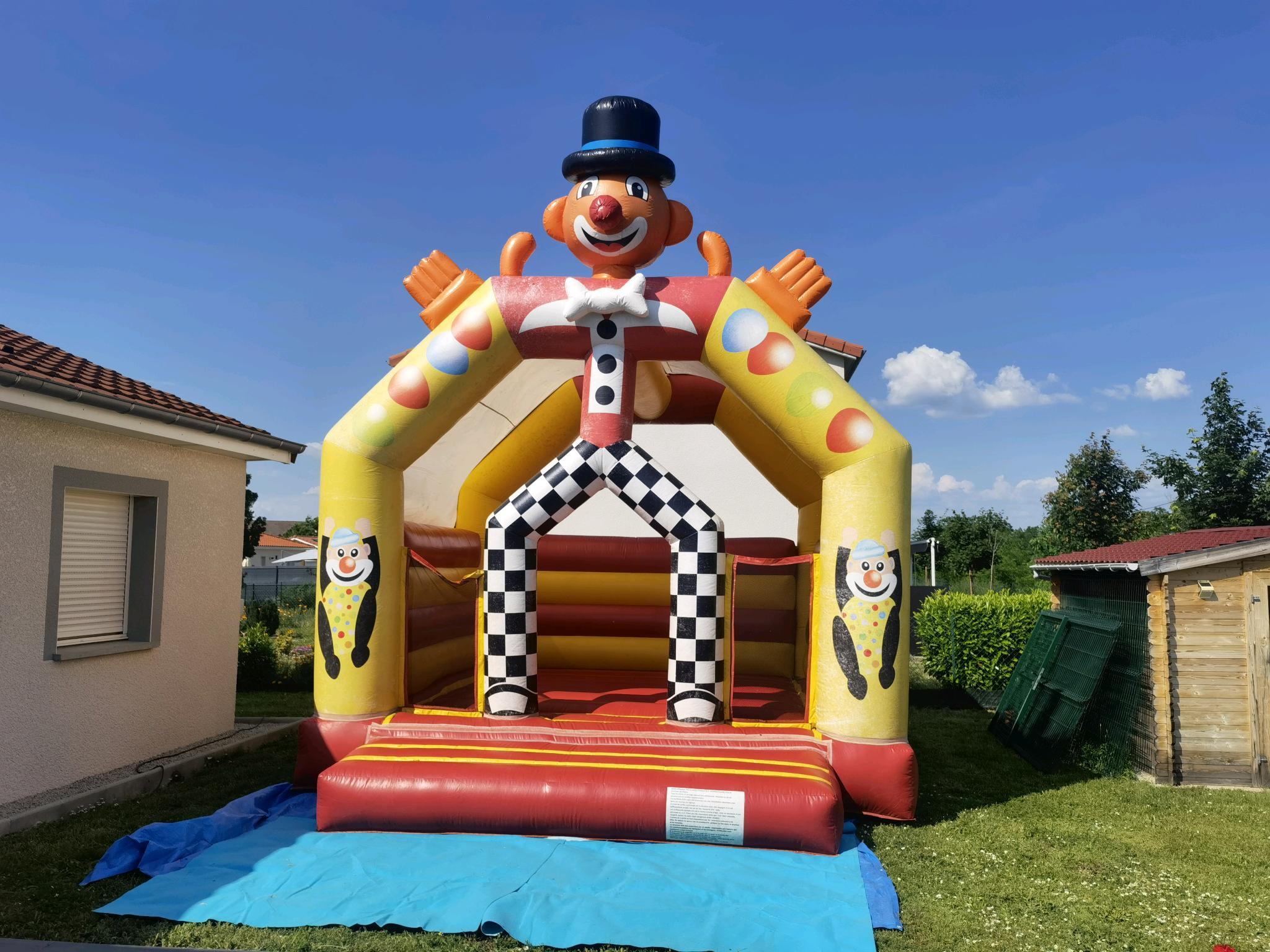 location structure gonflable roanne loire clubbing events dj sono le clown