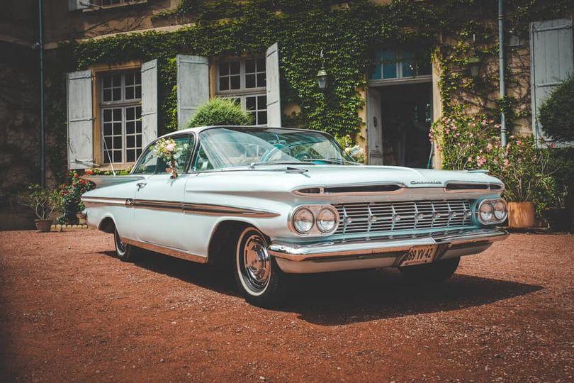 Location Voiture – Chevrolet Impala (1959) Château de la Salle (42)